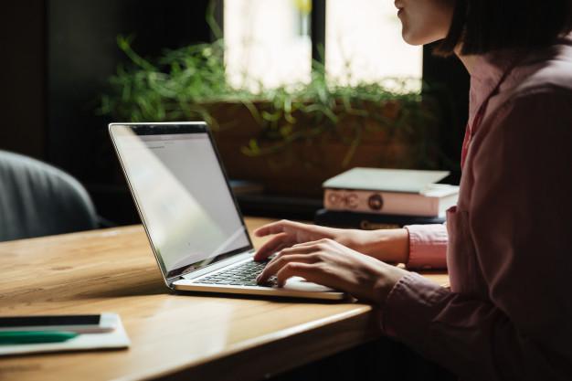 Aplikasi Pembuat Buku Digital